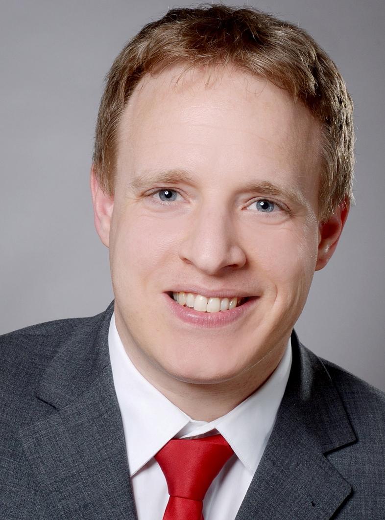 Dr. Martin Bujard