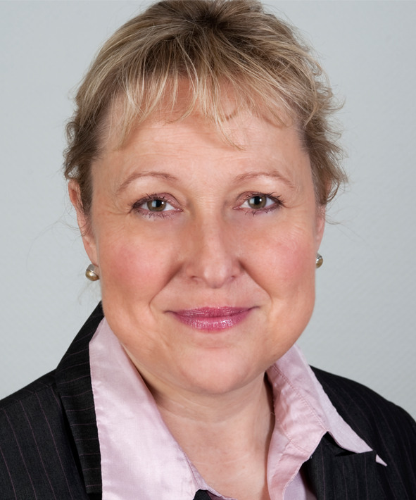 Dr. Kirsten Nazarkiewicz