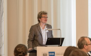 Dr. Brigitte Scheuerle, Geschäftsführerin Aus- und Weiterbildung bei der IHK Frankfurt