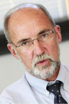 Dr. Engelbert J. Günster