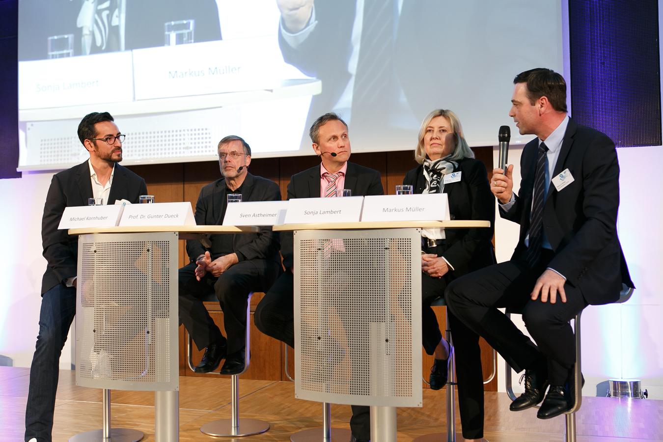 Talkrunde mit Kornhuber, Dueck, Astheimer, Lambert und Müller (anbei)
