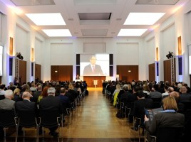 Plenarsaal mit rund 400 Gästen